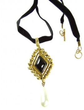 Broche pavée de cristaux, inspirée d'un bijou du XVII éme.
