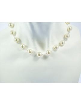 Collier perles espacées