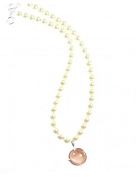 Collier perles et cabochon...